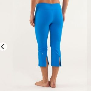 Lululemon Beaming Blue Gather and Crow Crops